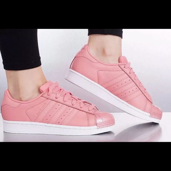 online store bb2be f1dea Adidas Superstar 80S womens Tactile shoes